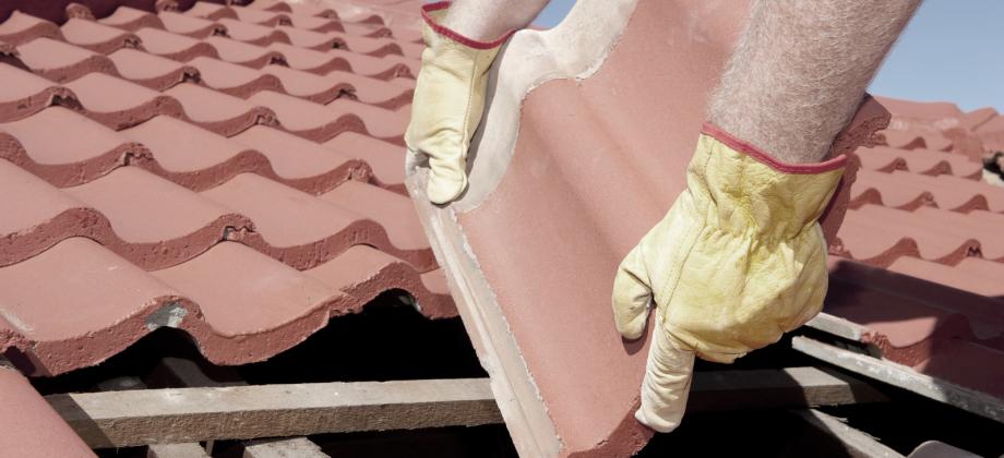Dachdecker, der Dachreparatur und Sturmschaden schnell behebt in Heinsberg und Erkelenz